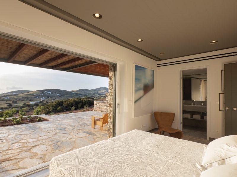 Antiparos_bedbathbedroom3