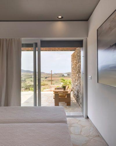 Antiparos_bedbathbedroom4