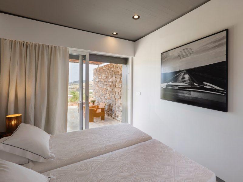 Antiparos_bedbathbedroom4a
